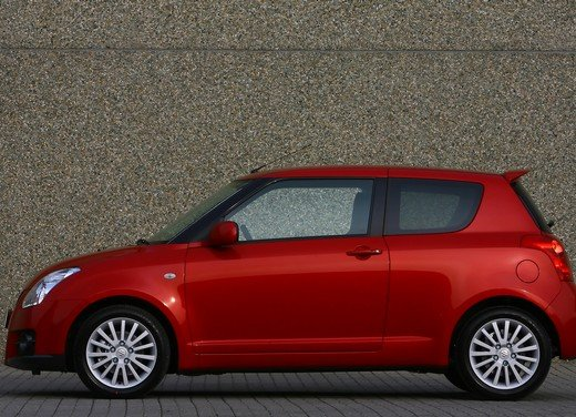 Suzuki Swift Sport, provata la rivale di Fiat 500 Abarth - Foto 41 di 43