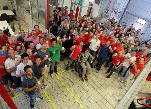 Carlos Checa e la Ducati augurano Buon Natale - Foto 2 di 10