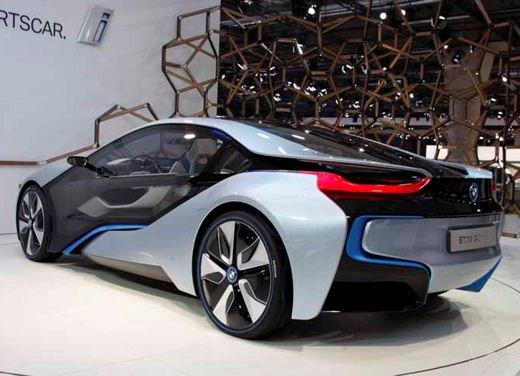 BMW i8: nuove luci laser in via di sviluppo - Foto 2 di 28