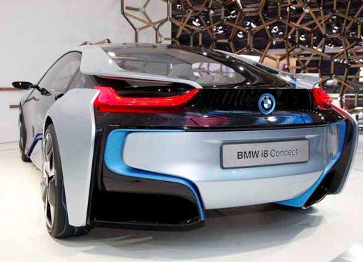 BMW i8: nuove luci laser in via di sviluppo - Foto 1 di 28
