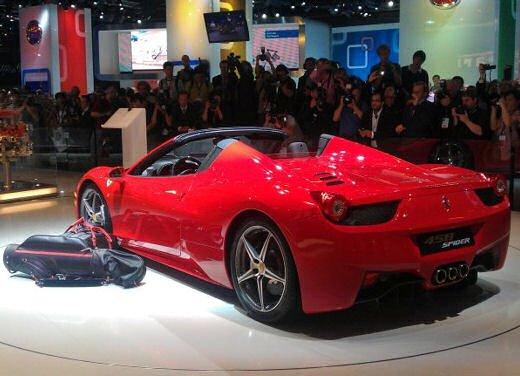 Ferrari 458 Spider, la supercar protagonista di un divertente scherzo - Foto 3 di 10