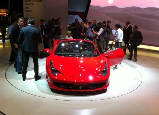 Ferrari 458 Spider, la supercar protagonista di un divertente scherzo - Foto 9 di 10