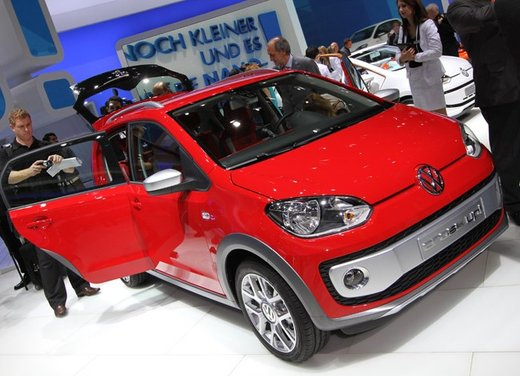 Volkswagen Cross Up! - Foto 21 di 32