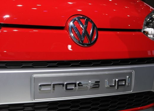 Volkswagen Cross Up! - Foto 30 di 32
