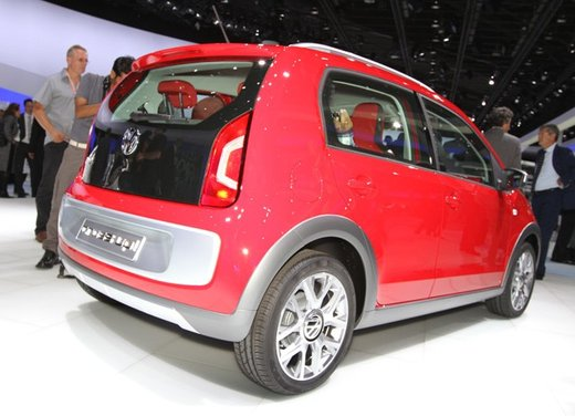 Volkswagen Cross Up! - Foto 24 di 32