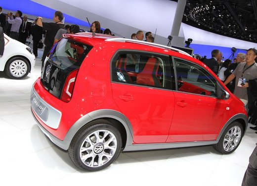 Volkswagen Cross Up! - Foto 25 di 32