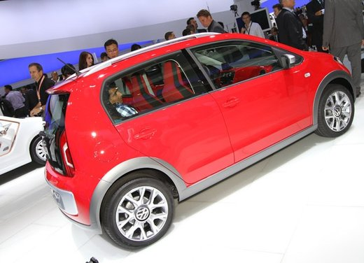 Volkswagen Cross Up! - Foto 23 di 32