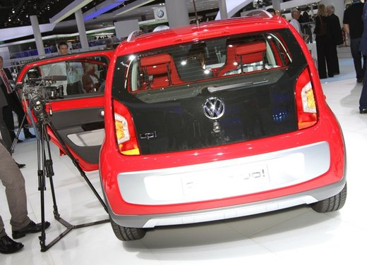 Volkswagen Cross Up! - Foto 26 di 32