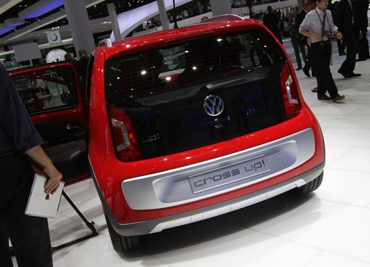 Volkswagen Cross Up! - Foto 27 di 32