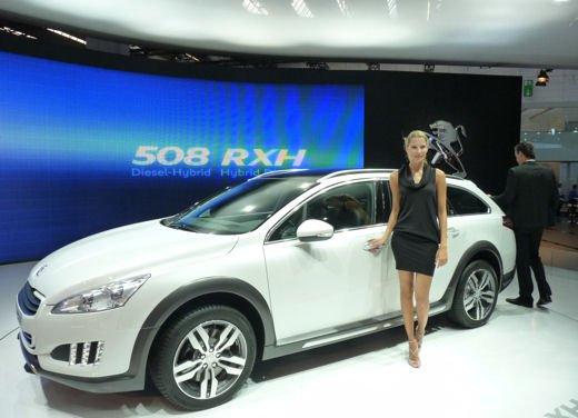 Prova su strada della Peugeot 508 RXH, ibrida diesel elettrica 4×4 - Foto 11 di 22