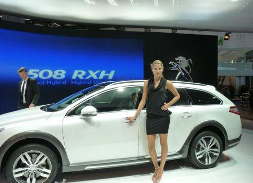 Prova su strada della Peugeot 508 RXH, ibrida diesel elettrica 4×4 - Foto 10 di 22
