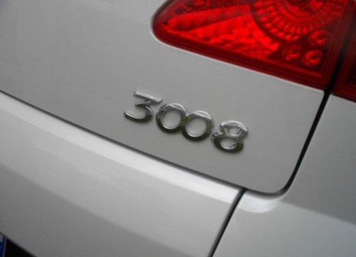 Peugeot 3008 Hybrid4: prova su strada del primo diesel ibrido al mondo - Foto 16 di 26