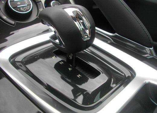Peugeot 3008 Hybrid4: prova su strada del primo diesel ibrido al mondo - Foto 20 di 26