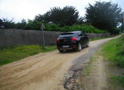 Peugeot 3008 Hybrid4: prova su strada del primo diesel ibrido al mondo - Foto 10 di 26