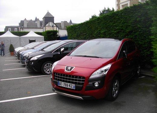 Peugeot 3008 Hybrid4: prova su strada del primo diesel ibrido al mondo - Foto 3 di 26