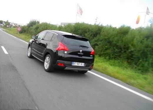 Peugeot 3008 Hybrid4: prova su strada del primo diesel ibrido al mondo - Foto 12 di 26