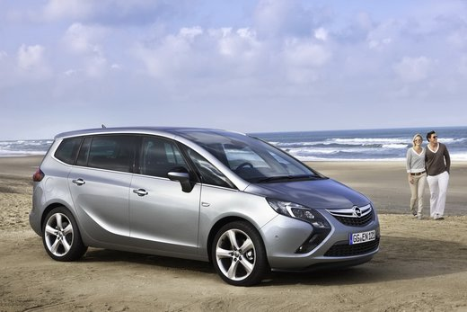 Opel Zafira Tourer a metano