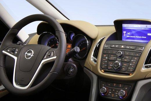 Nuova Opel Zafira Metano in promozione al prezzo di 21.000 euro - Foto 17 di 19