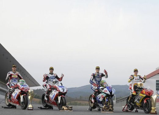 Superbike 2012: Carlos Checa rimane con il Ducati Althea Racing Team