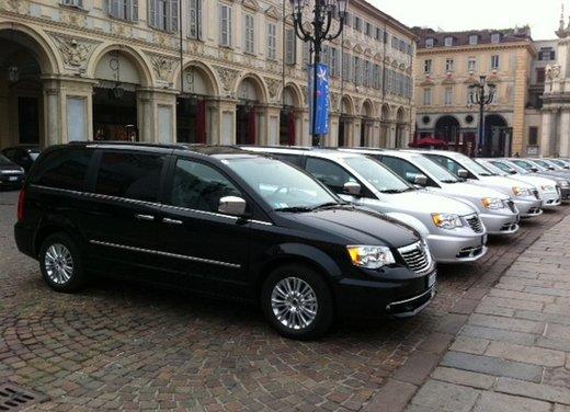 Lancia Voyager: prova su strada del nuovo monovolume Lancia - Foto 1 di 28