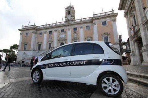 Citroen consegna 14 C-Zero a Roma Capitale - Foto 1 di 15