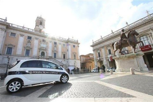 Citroen consegna 14 C-Zero a Roma Capitale - Foto 5 di 15