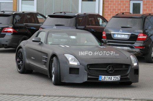 Mercedes SLS AMG BlackSeries video spia al Nürburgring - Foto 1 di 16
