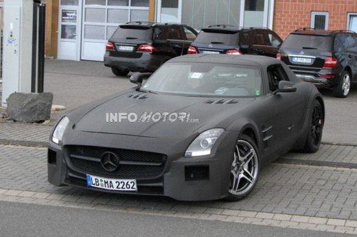 Mercedes SLS AMG BlackSeries video spia al Nürburgring - Foto 8 di 16