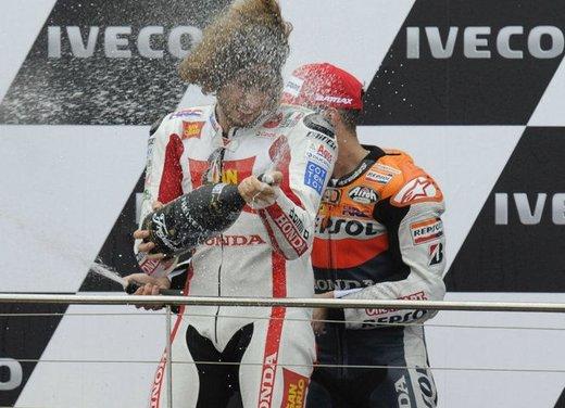 Al GP di Valencia tutti in pista col 58 di Marco Simoncelli - Foto 34 di 42