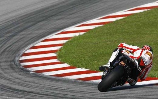 Al GP di Valencia tutti in pista col 58 di Marco Simoncelli - Foto 1 di 42