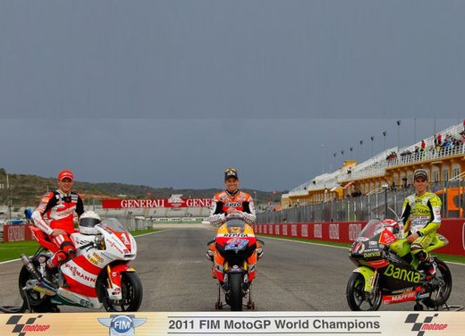 MotoGP: dal 2012 test privati MotoGP liberalizzati dalla Grand Prix Commission - Foto 1 di 72