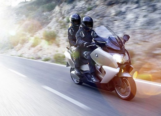 BMW C 650 GT video ufficiale del maxi scooter turistico BMW