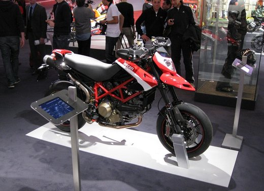 Ducati Hypermotard 1100EVO SP Corse Edition