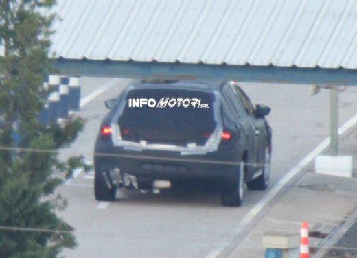 Nuove immagini spia della Seat Leon 5 porte - Foto 20 di 22