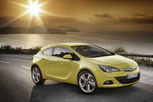 Opel Astra GTC Cosmo S in offerta al prezzo di 18.000 euro su e-store