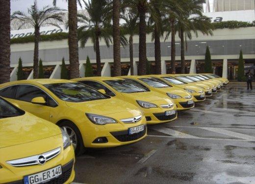 Opel Astra GTC provata la coupé sportiva Opel Astra sulle strade di Maiorca