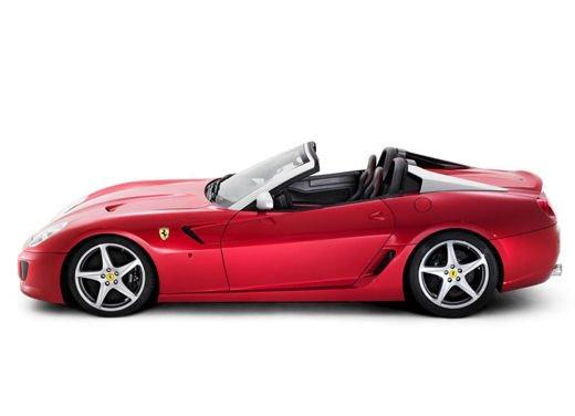 Ferrari Club per i Collezionisti che possiedono più di 5 Ferrari - Foto 16 di 17