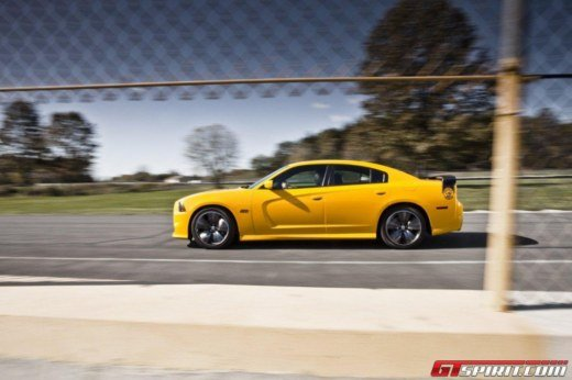 Dodge Charger SRT8 Super Bee - Foto 8 di 16