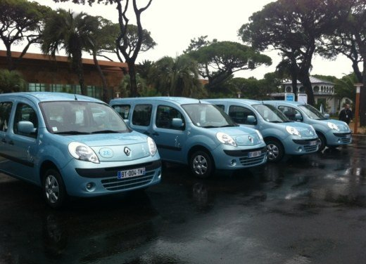 Renault Kangoo ZE premiato Van Of The Year 2012