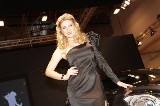 Tutte le più belle ragazze del Salone di Essen 2011 - Foto 11 di 25