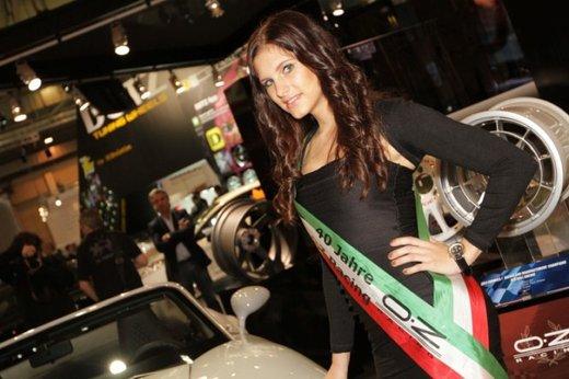 Tutte le più belle ragazze del Salone di Essen 2011 - Foto 16 di 25
