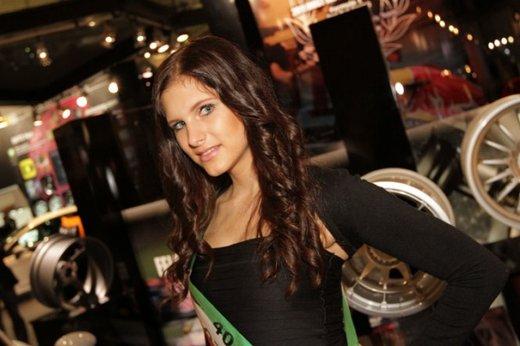 Tutte le più belle ragazze del Salone di Essen 2011 - Foto 17 di 25