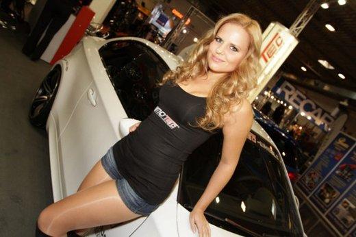 Tutte le più belle ragazze del Salone di Essen 2011 - Foto 24 di 25