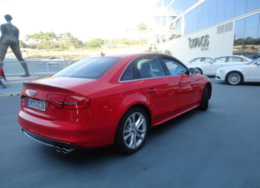 Nuova Audi A4 provata in tutte le versioni, compresa Audi A4 Allroad quattro - Foto 6 di 12