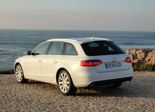 Nuova Audi A4 provata in tutte le versioni, compresa Audi A4 Allroad quattro