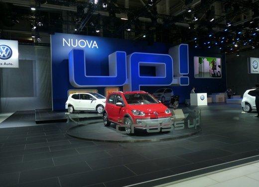 Panoramica dagli stand del Motor Show di Bologna 2011 - Foto 30 di 41