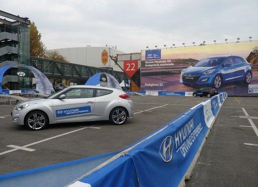 Panoramica dagli stand del Motor Show di Bologna 2011 - Foto 39 di 41
