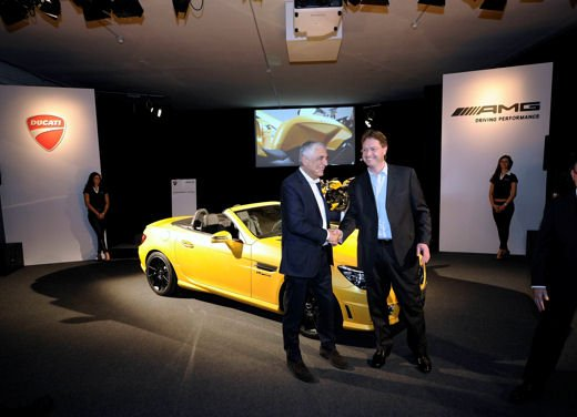 Mercedes SLK 55 AMG Streetfighter Yellow - Foto 12 di 16