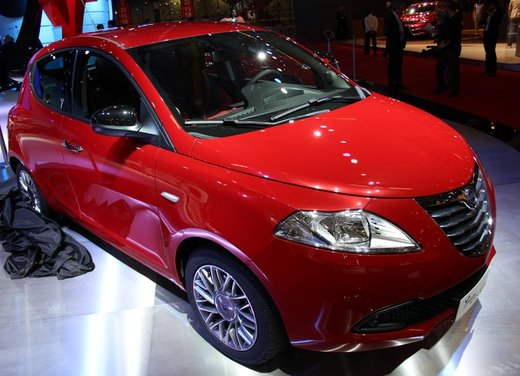 Lancia Ypsilon Black&Red - Foto 5 di 46