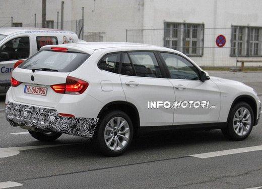BMW X1 prime foto spia del restyling sulla neve - Foto 15 di 18
